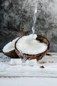 Aufgeschnittene Kokosnuss